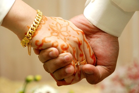 muslim_wedding_hands