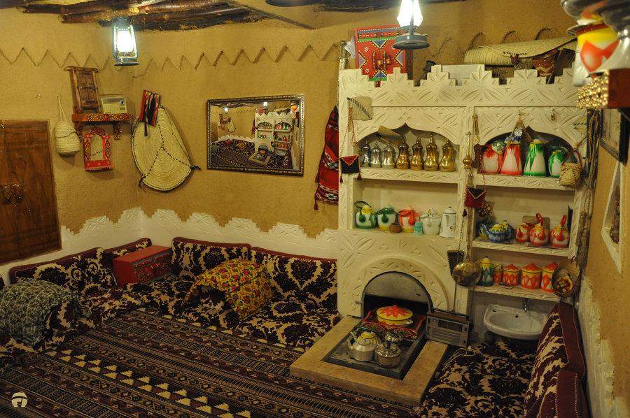 Saudi arabia s beautiful ancient architecture american bedu for American house interior decoration