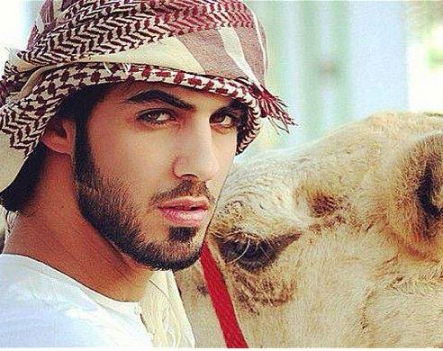 El vianshou marino Handsome-arab-man